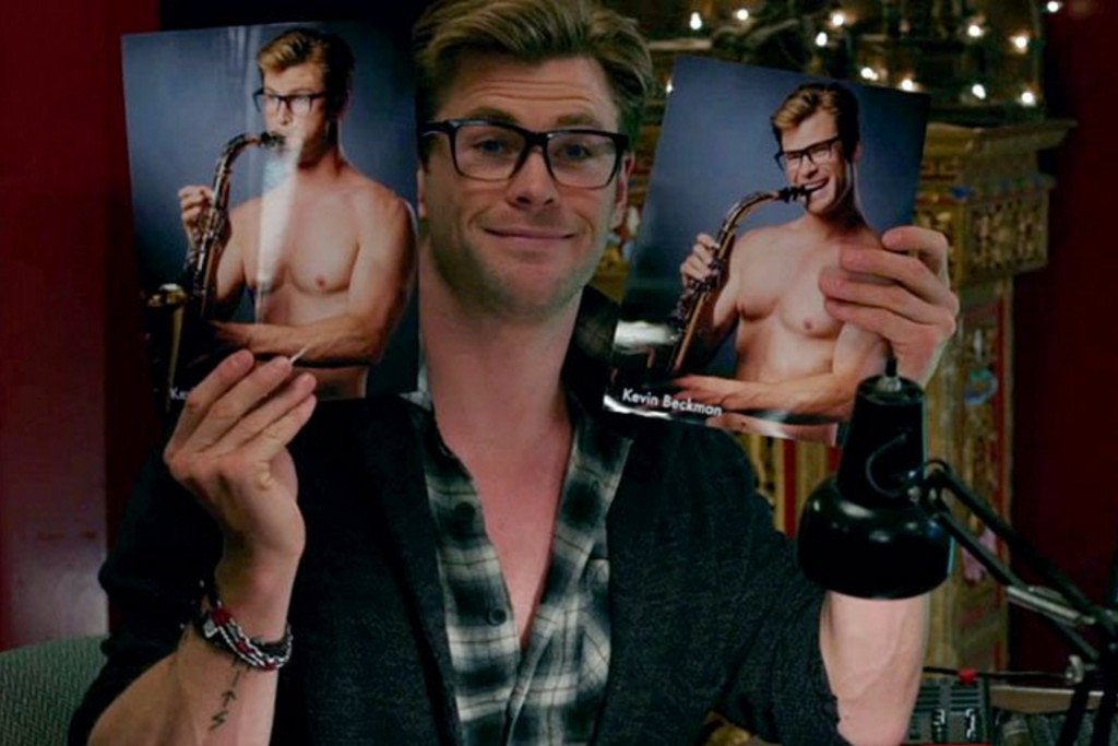 Chris Hemsworth Ghostbusters Pics